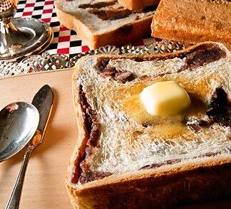 アンティークあん食パンのカロリーと賞味期限は?味や値段や通販も!